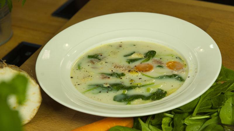 Gęsta zupa z wędzonej makreli