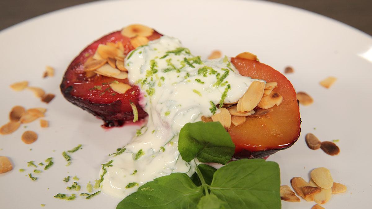 Pieczone brzoskwinie z amaretto