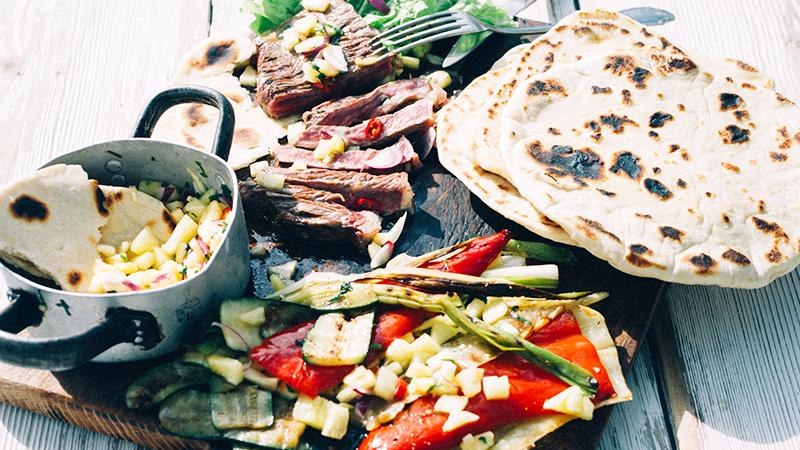 Steki z grillowanymi warzywami