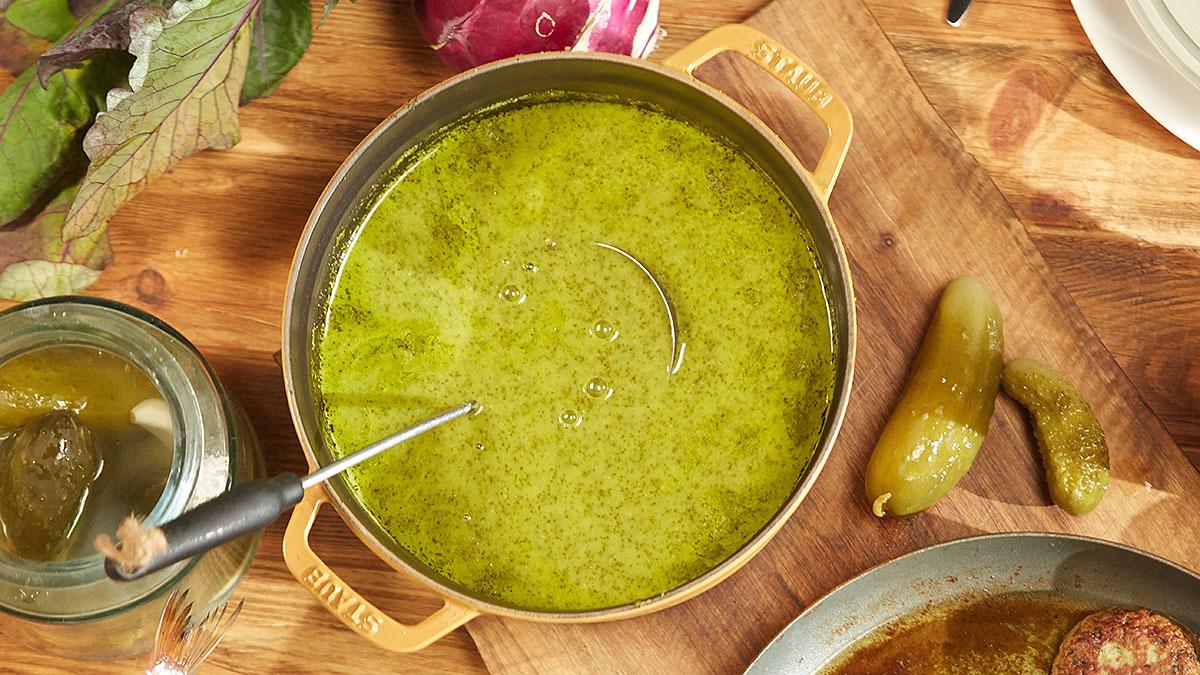 Zupa ogórkowa ze szczawiem