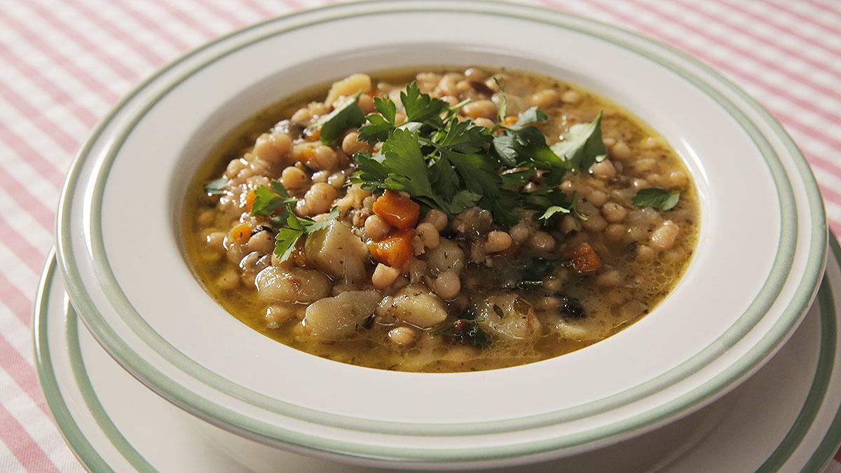Wegańska zupa fasolowa