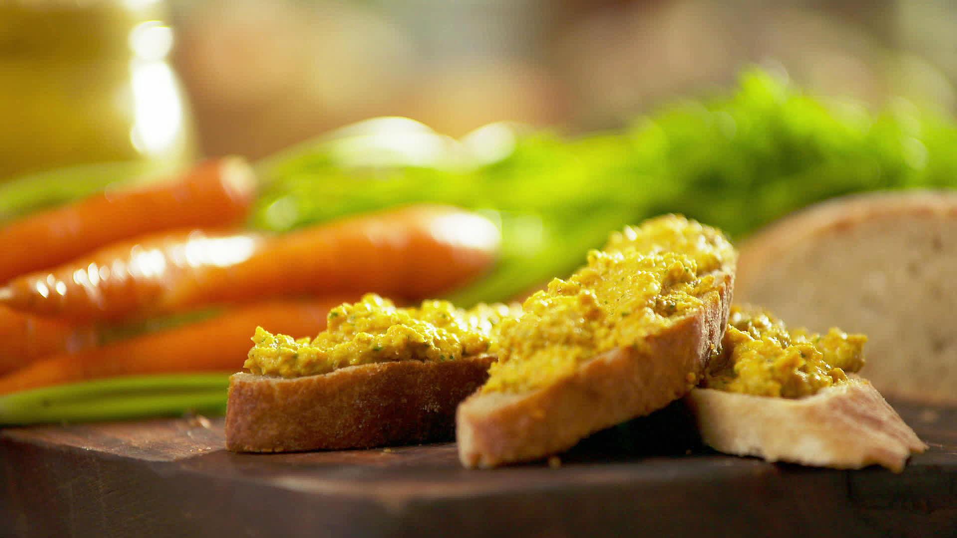 Hummus z surowej marchwi