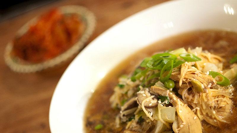 Zupa z kurczaka (halmeoni)