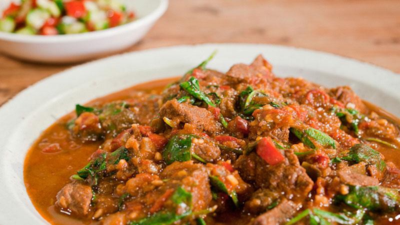 Etiopska potrawka z wołowiną i orzeszkami ziemnymi