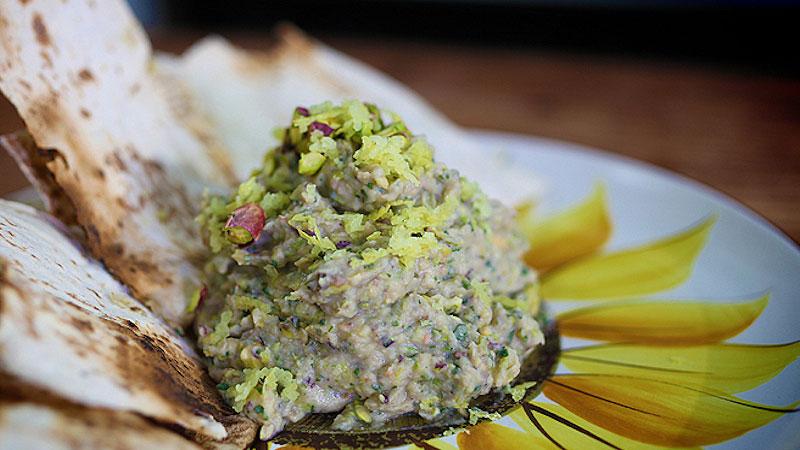 Dip z białej fasoli i pistacji