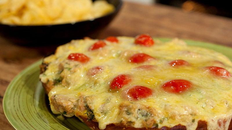 Kanapka z tuńczykiem i serem