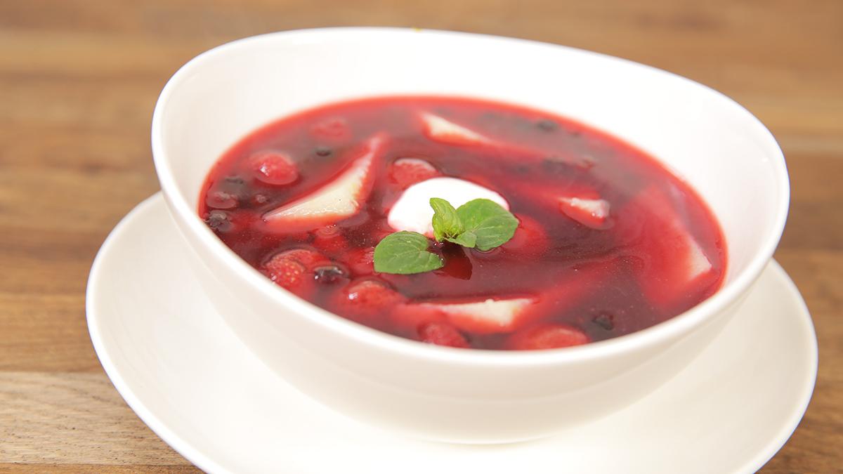 Zupa malinowo-jagodowa z kostkami z manny