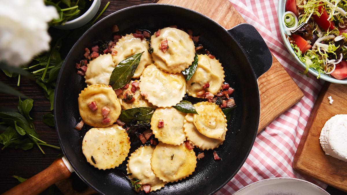 Włoskie pierożki ze skwarkami