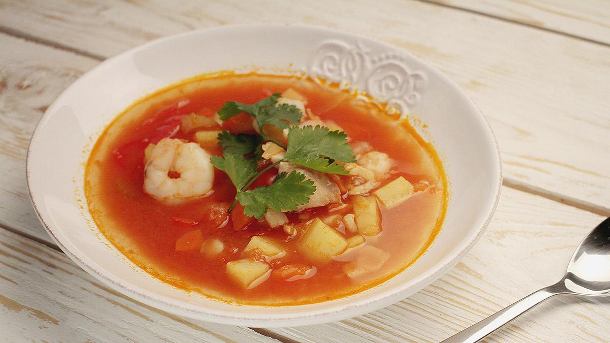 Delikatna zupa rybna