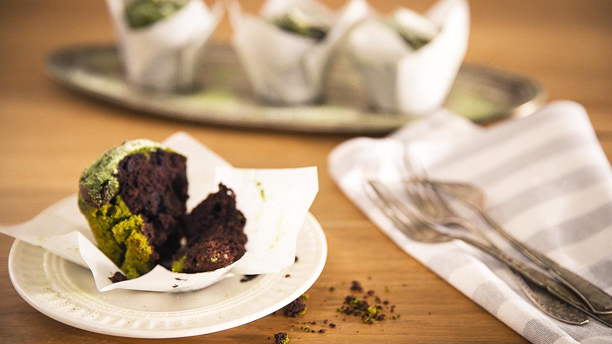 Muffiny z zieloną herbatą i czekoladą