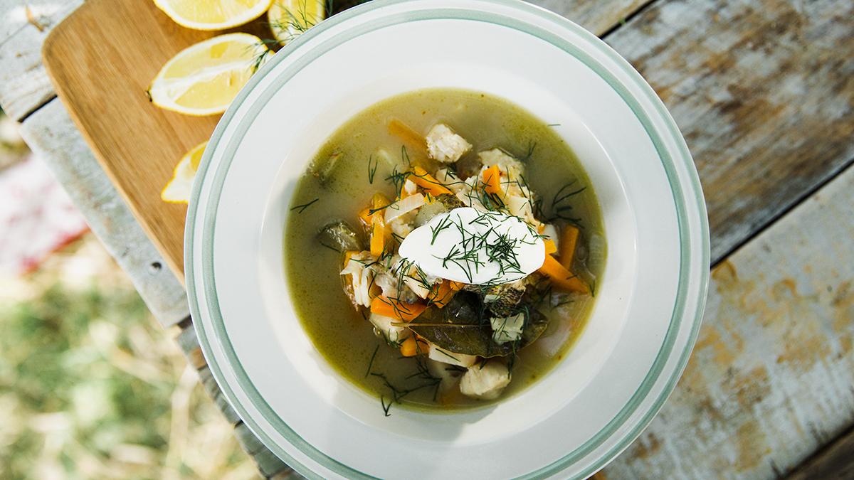 Zupa rybna na sandaczu