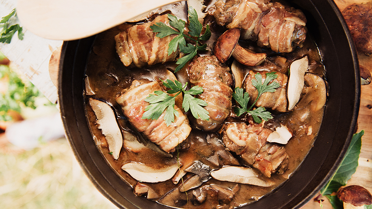 Roladki z jagnięciny faszerowane grzybami