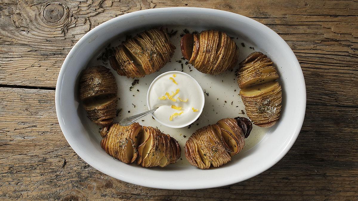 Ziemniaki hasselback z cytrynowym majonezem