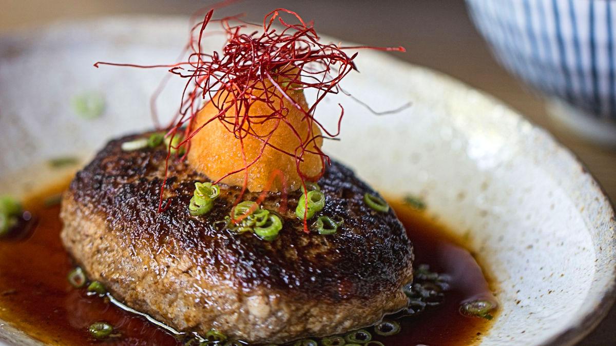 Hamburger z tofu, daikon i ponzu