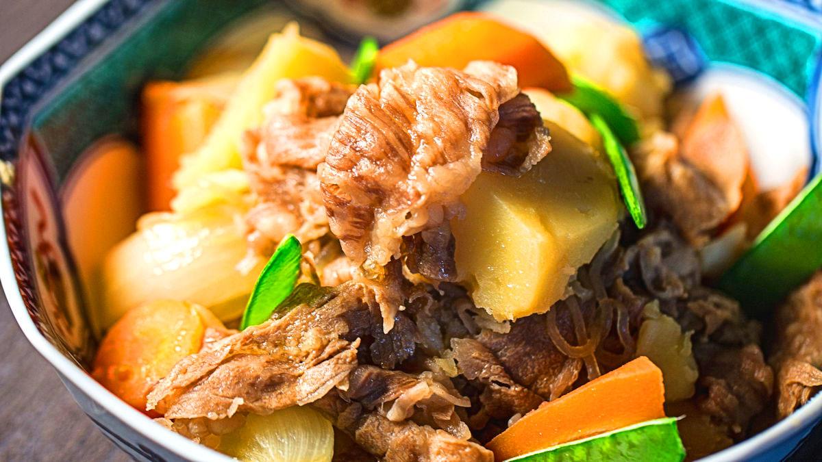 Nikujaga (mięso i ziemniaki)