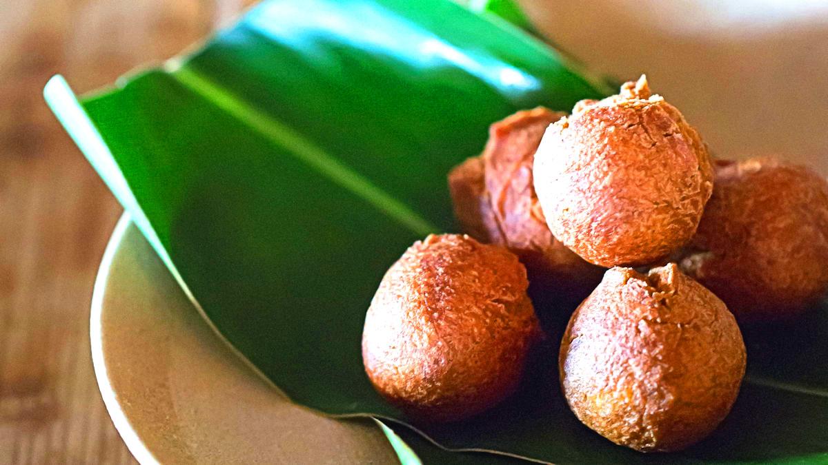 Okinawskie pączki z czarnego cukru