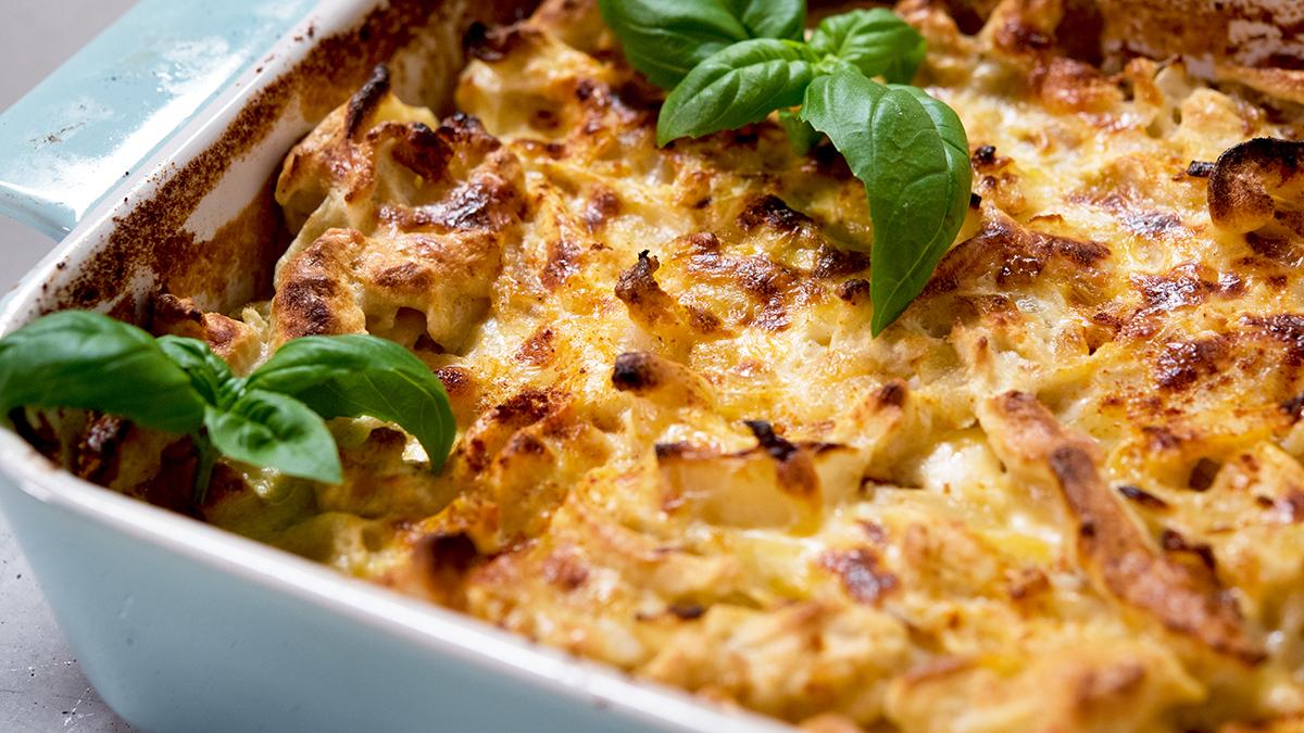 Szpecle zapiekane z cebulką i serem