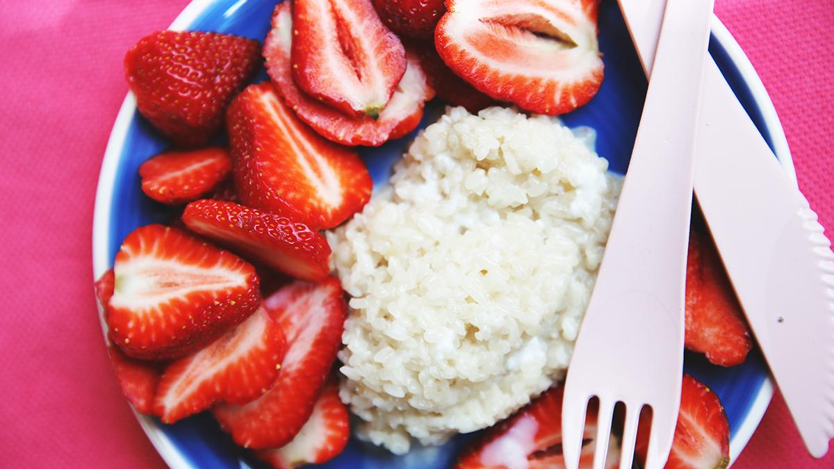 Sticky rice z truskawkami