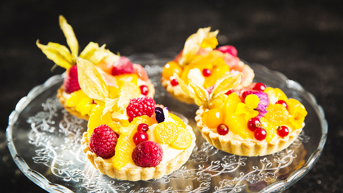 Tartaletki gryczane z kremem cytrynowym i owocami