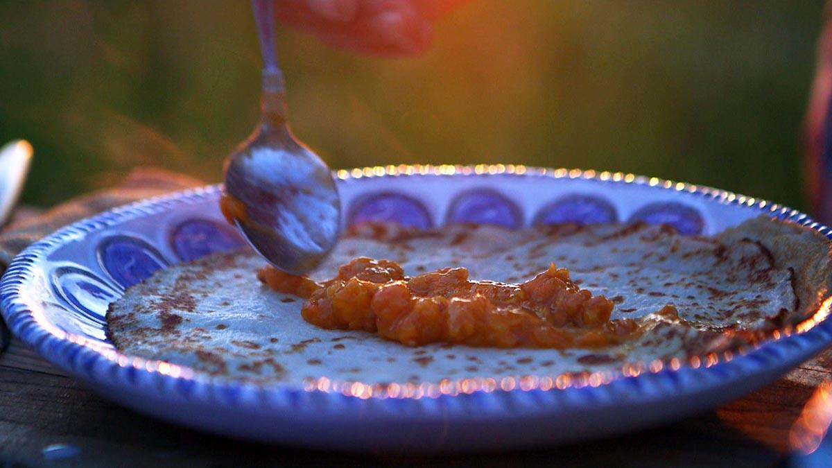 Naleśniki z moroszką i bitą śmietaną