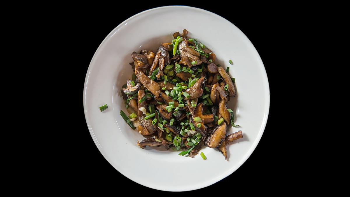 Prosty stir fry z grzybów