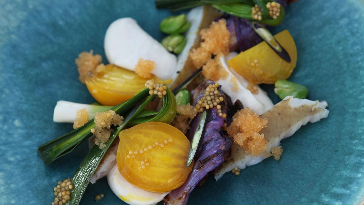Wędzony sandacz z warzywami