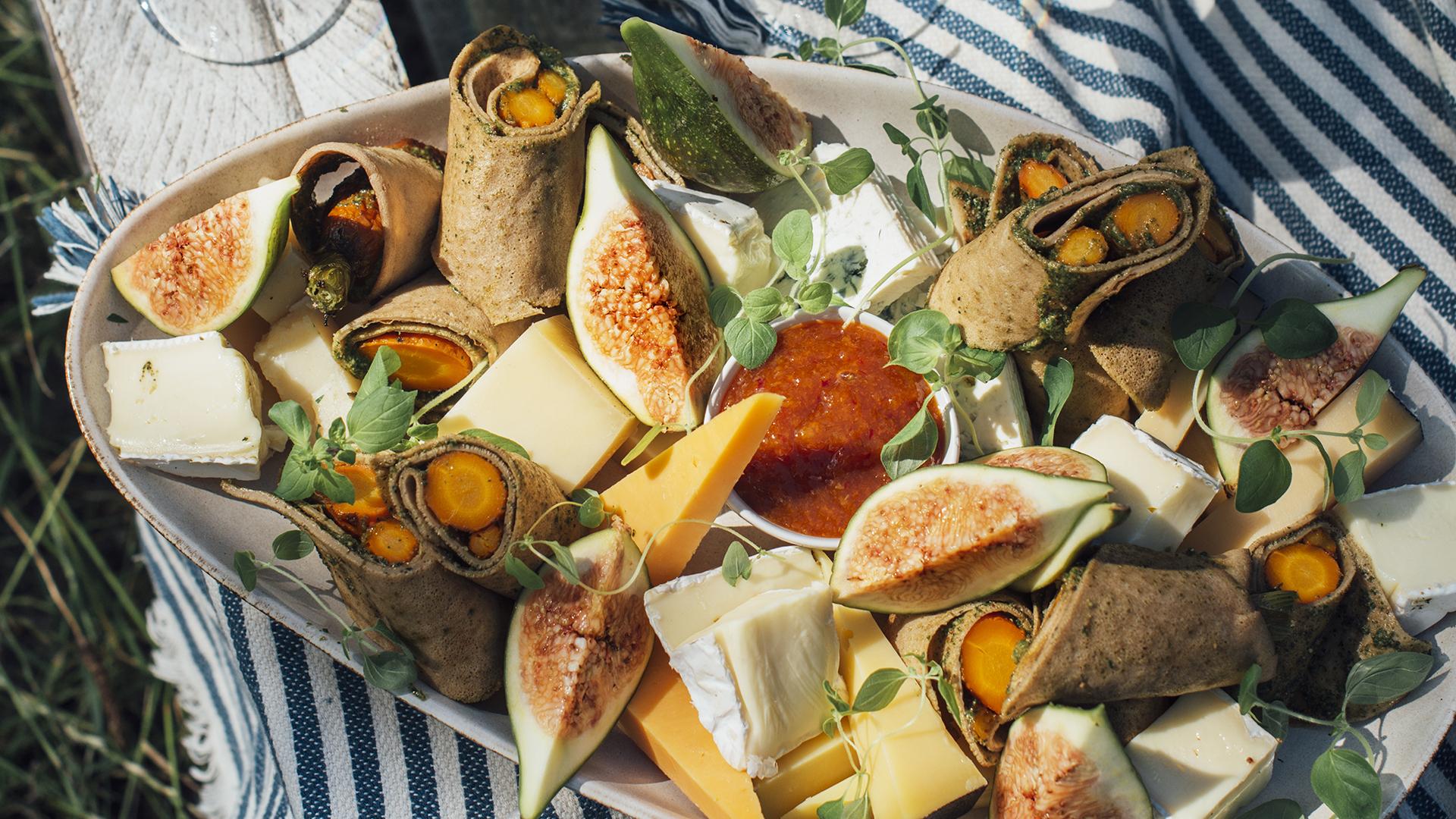 Naleśniki z wątróbką i warzywnym pesto