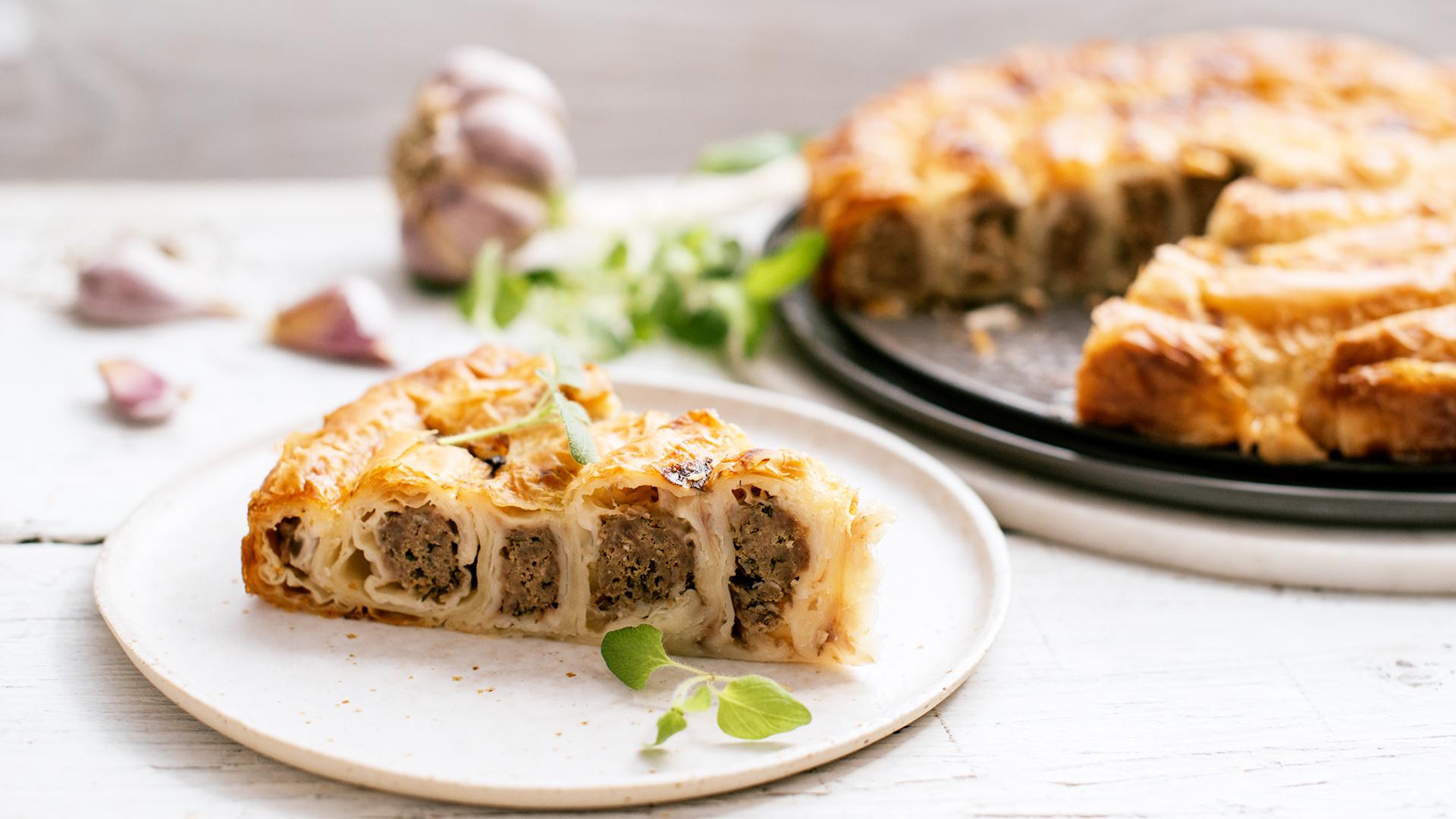 Ślimak z ciasta pita z mięsem