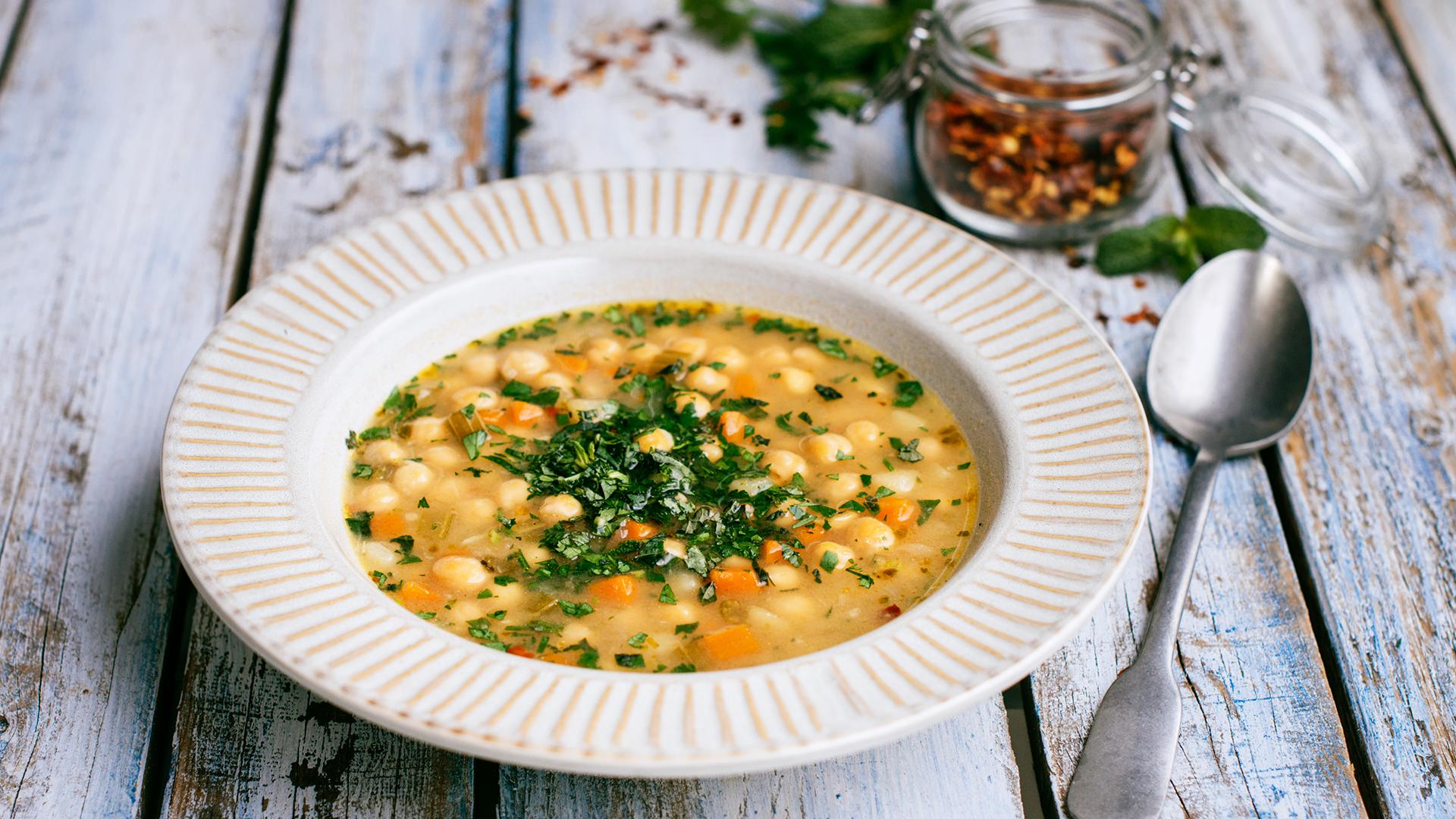 Grecka zupa z ciecierzycy