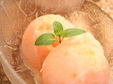 Sorbet z różowego grejpfruta