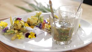 Wiosenna patera warzyw w tempurze
