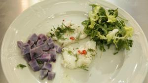 Żabnica z niebieskimi ziemniakami - danie w 15 minut