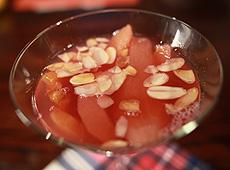 Kompot owocowy na Martini z płatkami migdałowymi