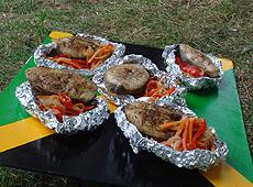 Smażona ryba z warzywami