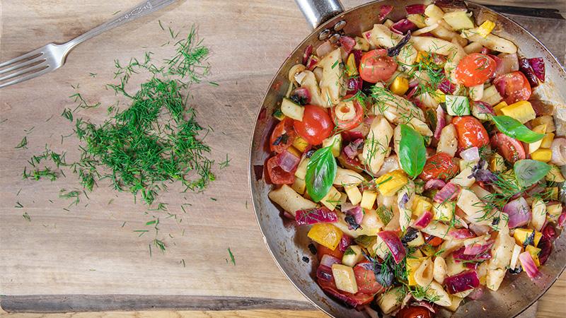 Kluski z bryndzy z sosem warzywnym