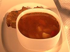 Zupa jarzynowa z czerwoną soczewicą