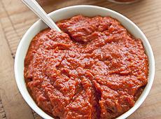 Pesto z czerwonej papryki