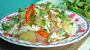 Sałatka z pomelo i mięsa kraba